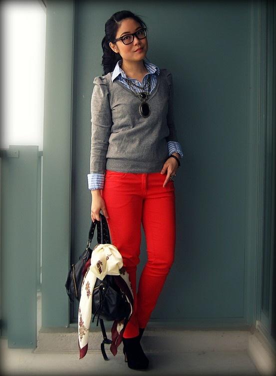 calça vermelha blusão