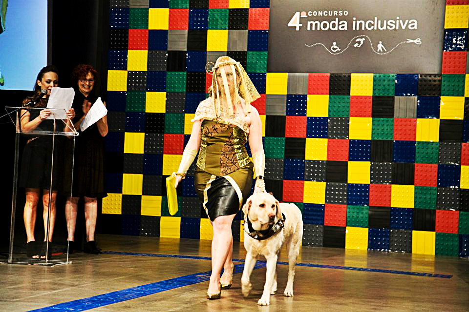 moda inclusiva deficiente visual feminino